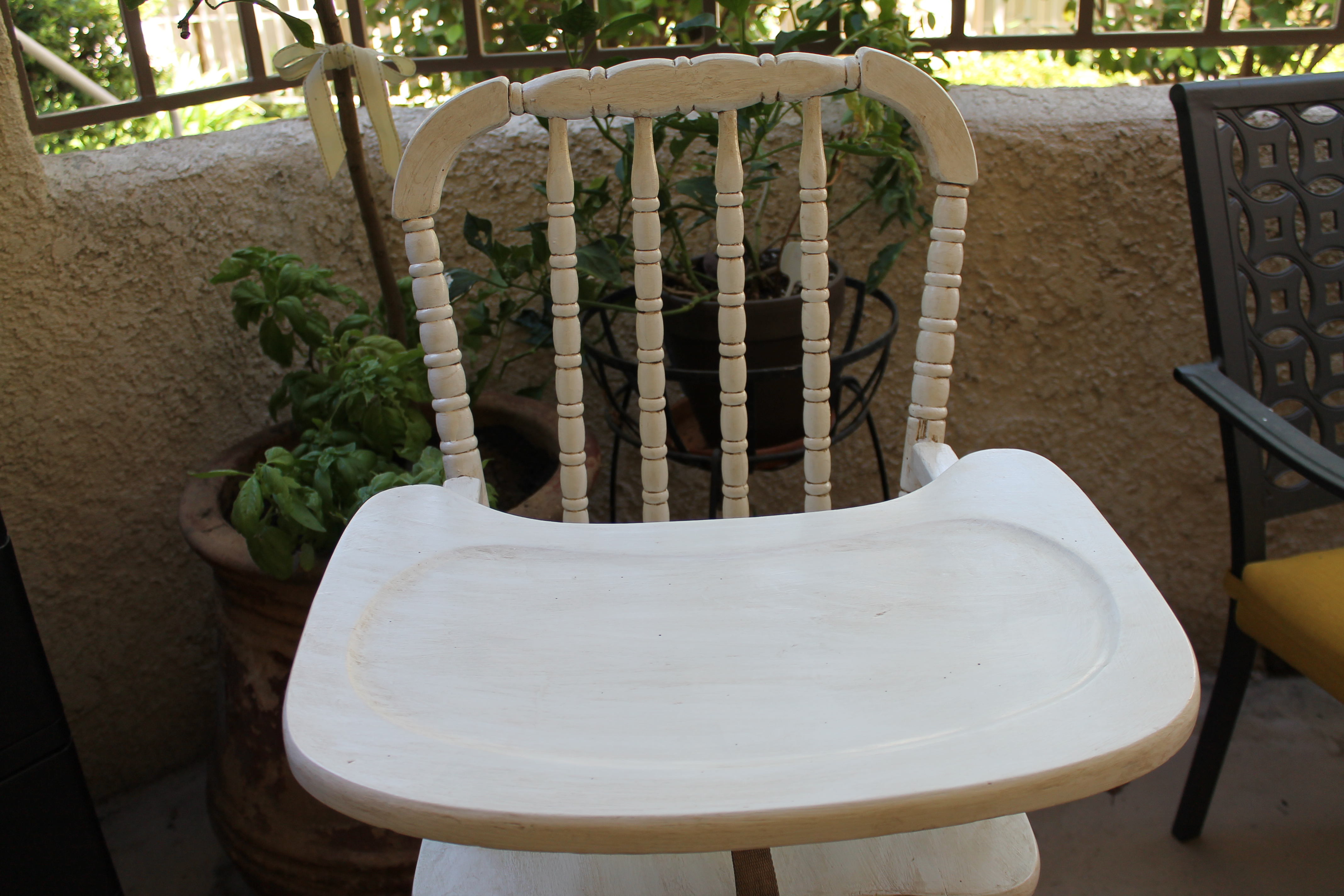Vintage wooden high chair - In