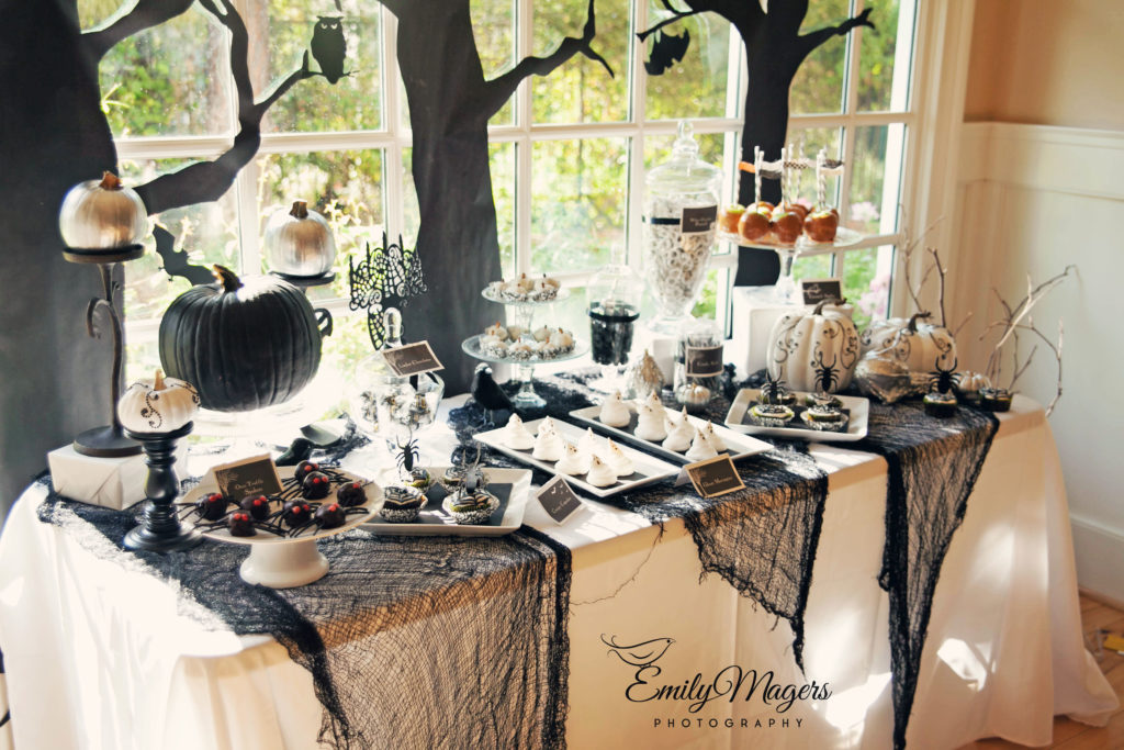 Smash Cake SoCal | Spooky Halloween Party, scary, trees, owls, bats, spiders, dessert table