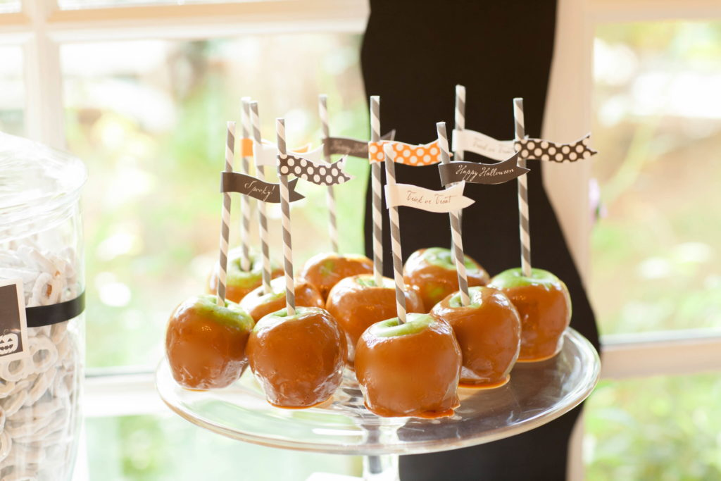 Smash Cake SoCal | Spooky Halloween Party, scary, trees, owls, bats, spiders, dessert table, caramel apples