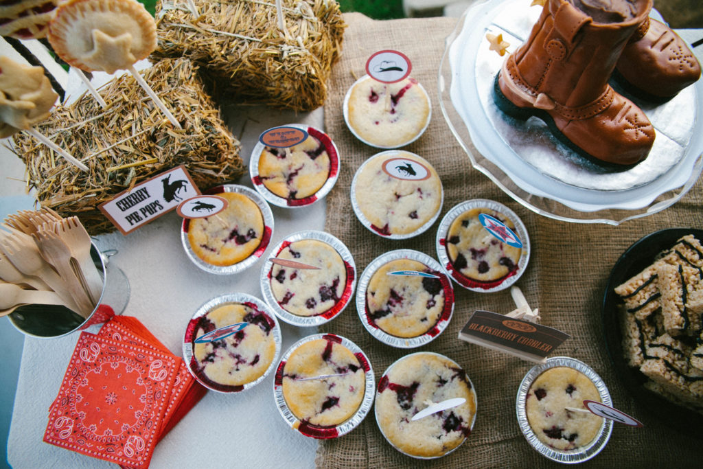 Smash Cake SoCal | Rustic Western Cowboy 1st Birthday FREE digital download, free cupcake toppers, free circle tags, free food labels, vintage, eye-haw, cowboy party desert