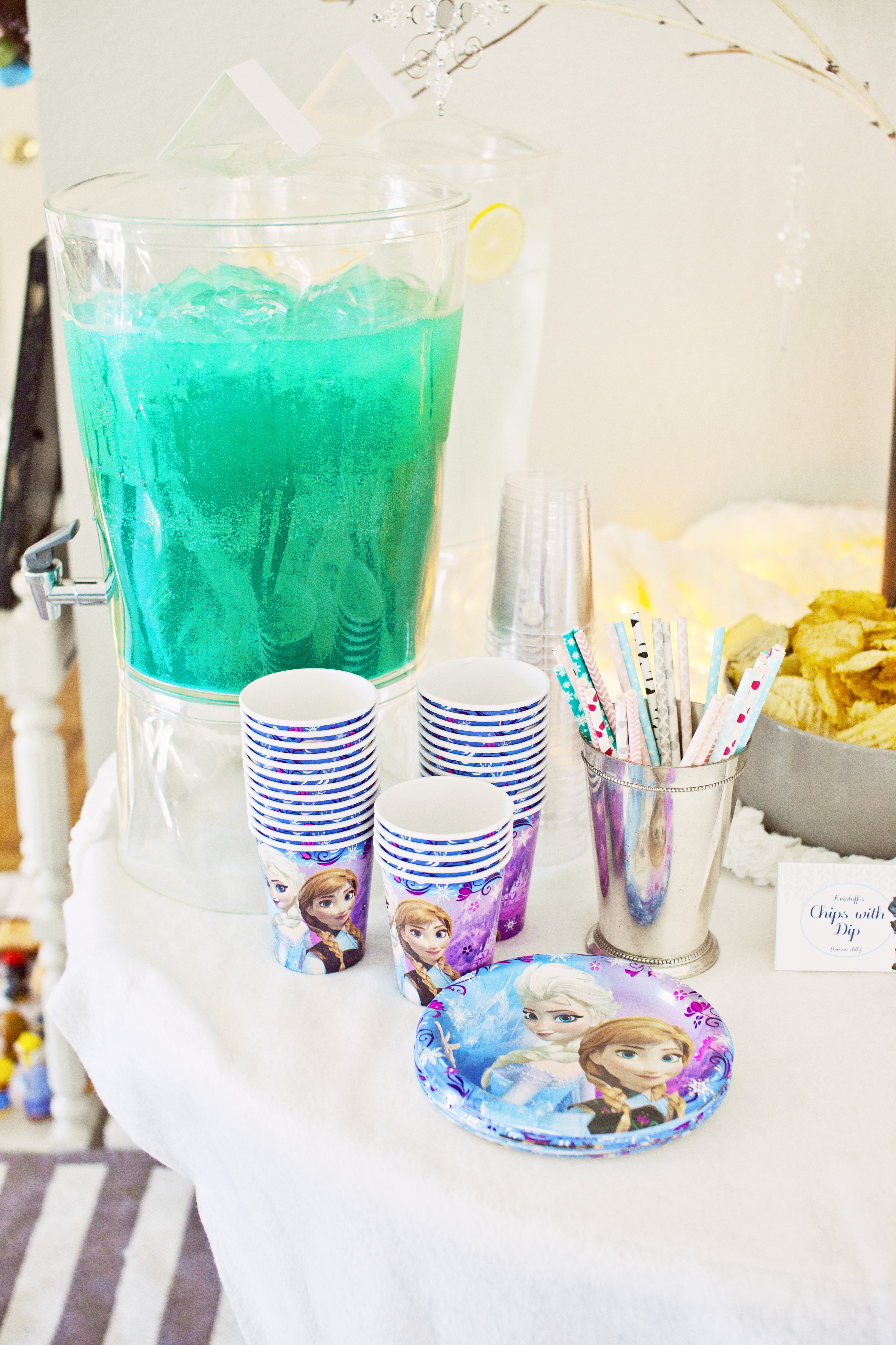 Frozen Party Elsa's Snow Punch
