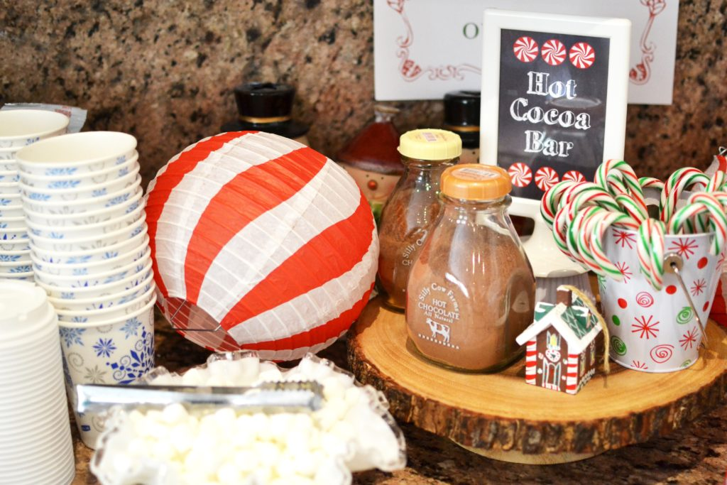 Smash Cake SoCal | Candy Land Gingerbread Decorating Christmas Party, children's party, hot cocoa bar, chocolate
