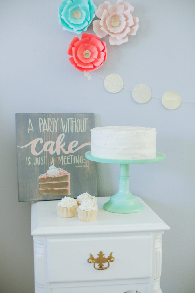 Smash Cake SoCal | Friday Feature: Cari's Canvas, #woodsigns #lovethedetails #lovemymakers #handmade #handmadewithlove #handpainted #handlettering #brushlettering #creativelifehappylife #prettylittlethings #makersgonnamake #maker #girlboss #spreadthelove #homedecor #makerssupportingmakers #makerslife #shophandmade #community over competition